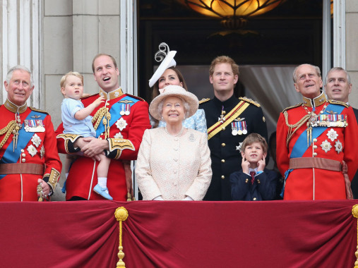 Sejumlah Anggota Keluarga Kerajaan Inggris