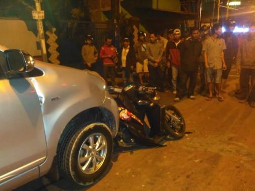 Korban Ditabrak Avanza di Lampu Merah Kedaton Bandar Lampung Terpental, Istrinya Jatuh ke Aspal