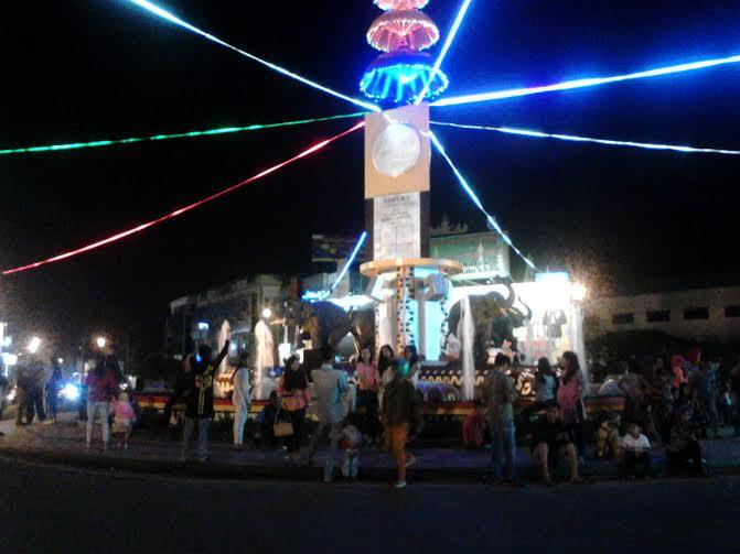 1.000 Obor Sambut Hari Raya Idul Fitri di Desa Margototo Metro Kibang Lampung Timur