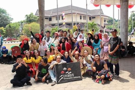Petani Desa Sri Raman Lampung Timur Gelar Grebekan Hama Wereng
