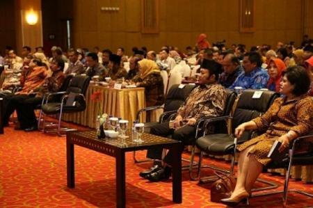 Bupati Lampung Selatan Zainudin Hasan menghadiri pembukaan acara Sidang Regional Dewan Ketahanan Pangan di Hotel Mercure Surabaya, Senin 16/5/2016. | Diskominfo Lampung Selatan