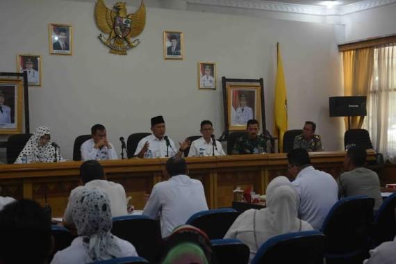 Bupati Lampung Tengah Mustafa dalam rapat persiapan HUT RI ke71 di Lampung Tengah | Raeza/jejamo.com