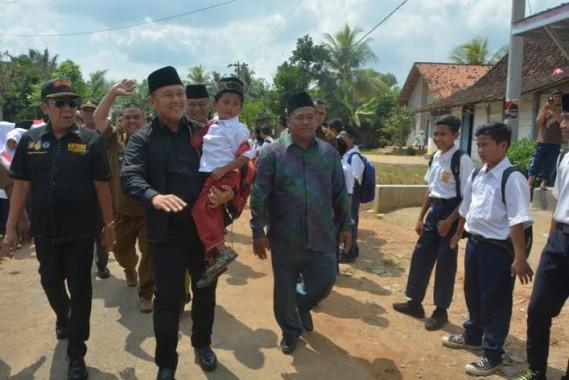 Bertahun-tahun Tak Diperbaiki, Jalan Provinsi di Kecamatan Sekampung Lamtim Rusak Parah