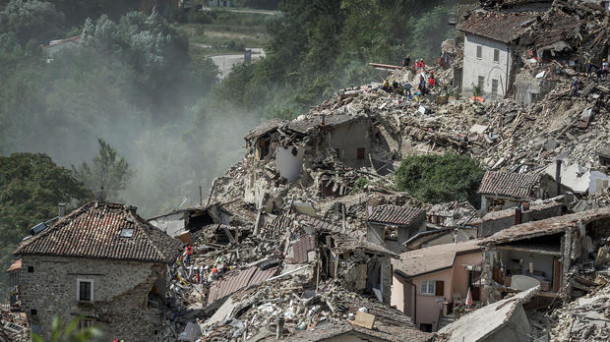 120 Orang Tewas Akibat Gempa di Italia