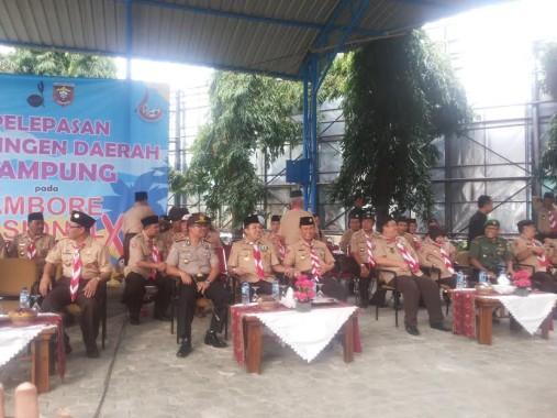 Gubernur Lampung M Ridho Ficardo melepas  kontingen Lampung peserta jambore nasional (Jamnas) ke-X gerakan pramuka 14-21 Agustus di Cibubur Jakarta, Kamis, 11/8/2016.