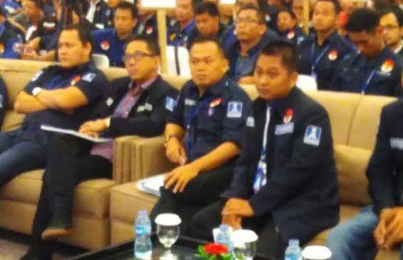 Ketua BM PAN Lampung Joko Santoso (tengah). | Ist