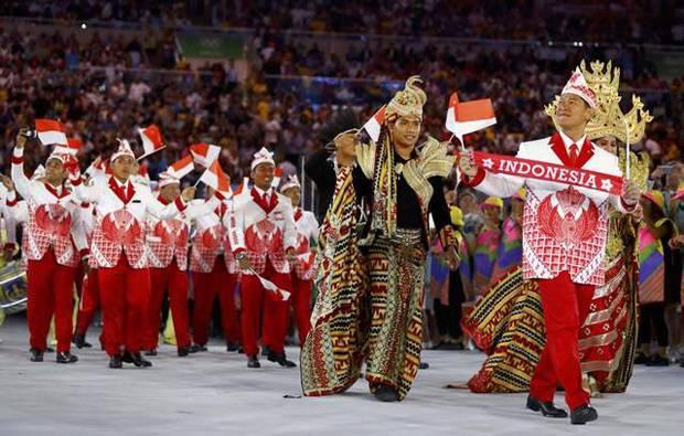 Atlet Indonesia Tampil dengan Batik dalam Acara Pembukaan Olimpiade di Stadion Maracana Brazil