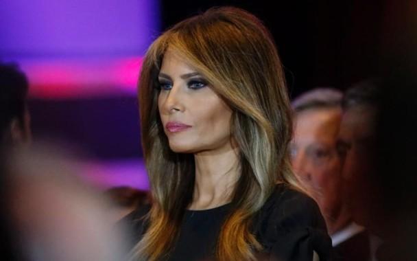 Heboh Foto Telanjang Istri Donald Trump Dimuat New York Post