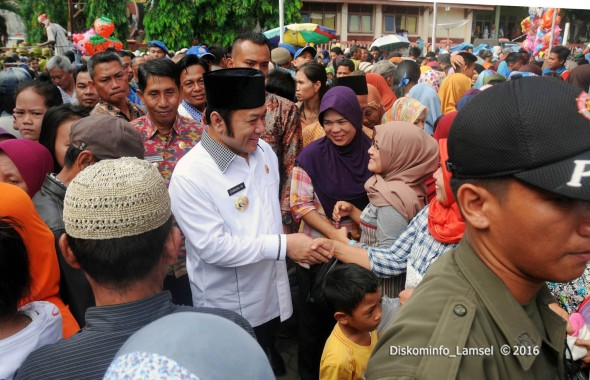 Pasar Murah di Kecamatan Penengahan Diserbu Warga