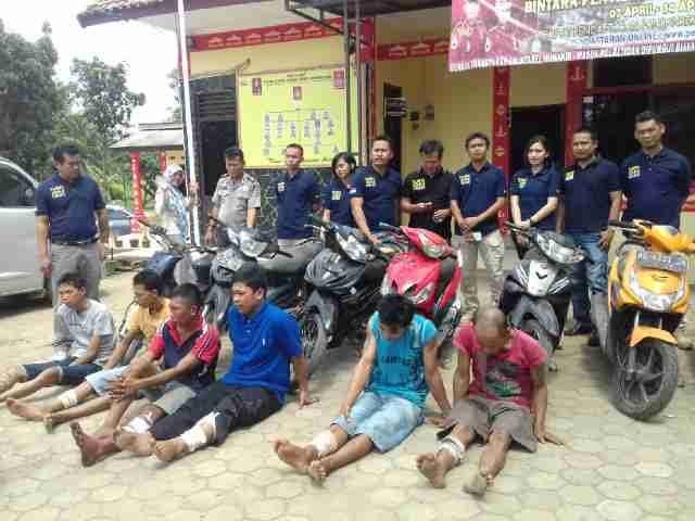 Makan di Telukbetung, Wakapolda Lampung Kombes Krishna Murti Diserbu Mahmud Foto Bareng