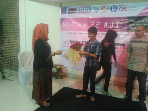 HUT AJI Bandar Lampung Kembali Berikan Penghargaan Bagi Jurnalis
