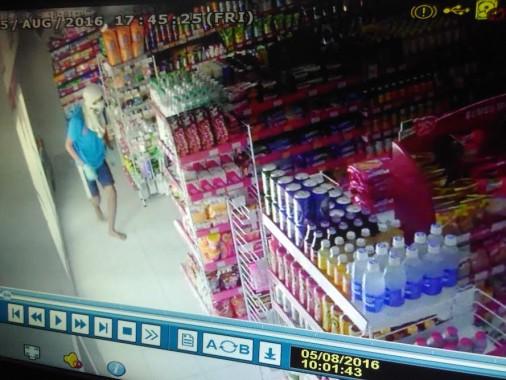 Pembobol Alfamart Kedaton Bandar Lampung Kembali Terekam CCTV