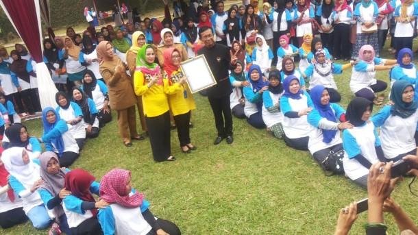 Adakan Jambore di Tabek, BKKBN Lampung Pecahkan Rekor Muri Sulam Khusus Dua Anak Cukup