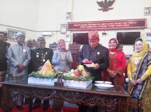Advertorial : DPRD Lampung Timur Gelar Rapat Paripurna Istimewa HUT ke-17 DPRD Lamtim