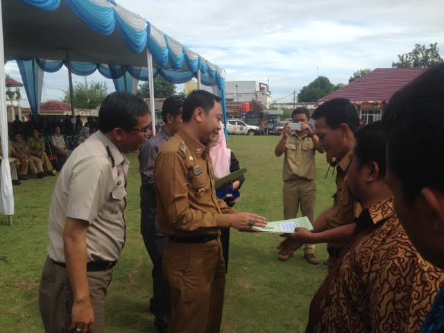 Pembagian sertifikat prona di Lampung Utara oleh Bupati Agung Ilmu Mangkunegara | jejamo.com