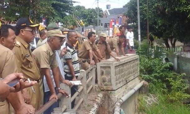 Hindari Banjir, Pemkab Lampung Utara Lakukan Normalisasi Aliran Sungai Way Umban