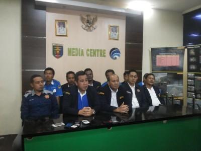 Bupati Pesawaran Dendi Ramadhona menggelar jumpa pers | Sugiono/jejamo.com