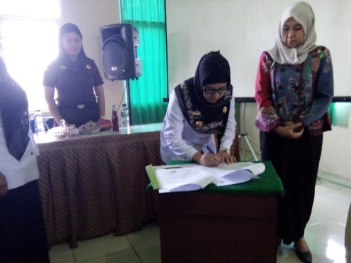 Gubernur Lampung Tandatangani Pengesahan Pertanggungjawaban Pelaksanaan APBD 2015