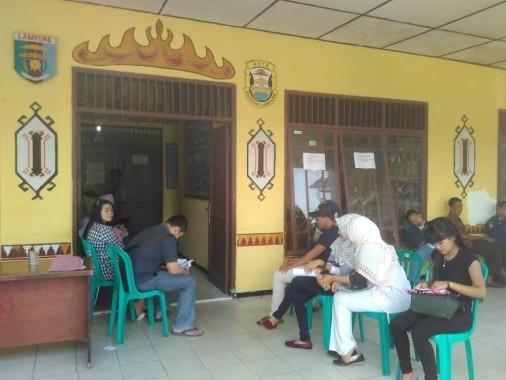 Buka Pendaftran e-KTP Untuk Warga Daerah Lain, Kantor Kecamatan Tanjungkarang Timur Diserbu Warga