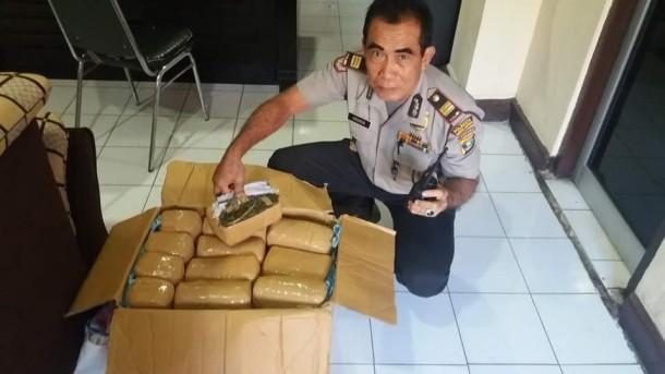 Polsek Tanjungkarang Timur Amankan Sopir dan Pemilik Ganja Ratusan Kilo dan Pil Ekstasi