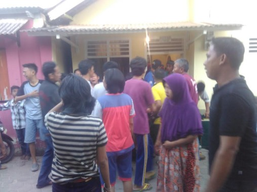 Suasana rumah duka di Jalan Ikan Kembung, Pesawahan, Telukbetung Selatan, Bandar Lampung, Senin, 12/9/2016. | Andi Apriyadi/Jejamo.com