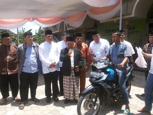 LDII Lampung Sembelih 908 Sapi, Ketua MUI Khairuddin Tahmid Lepas Satgas Tebar Kurban