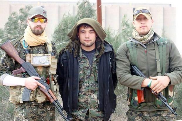 Briton Jamie Read (Kiri), seorang warga Inggris yang dilaporkan berperang bersama milisi Kurdi di Suriah melawan ISIS. | Ist