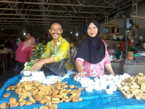 Jalang Idul Adha Pedagang Tahu Tempe di Pasar Sentral Kotabumi Mengaku Belum ada Peningkatan Penjualan