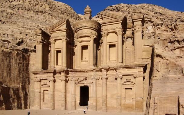 Taman Kuno Petra Berusia 2.000 Tahun Akhirnya Ditemukan