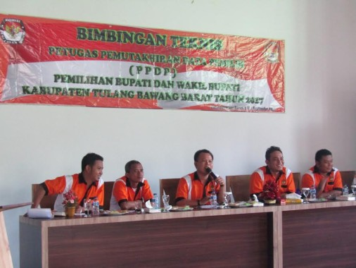 Ketua KPU Tulangbawang Barat Buka Acara Bimtek Petugas PDP