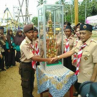 Tim Pramuka SMAN 1 Tanjungbintang meraih juara umum Giat Prestasi  Melodi Trila (Gipres Mitri ) V Minggu kemarin di Bumi Perkemahan Kota Bandar Lampung. | Ist