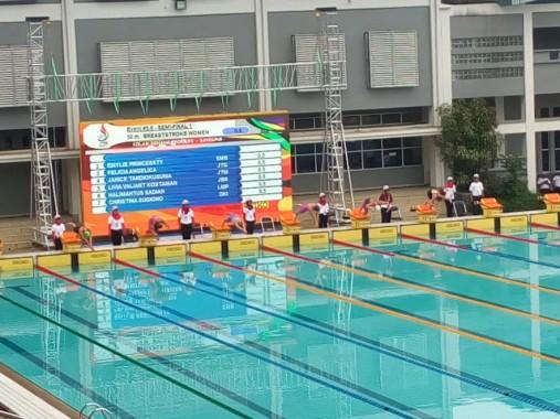 Perenang Putri Lampung Halimahtusadiah Lolos Final PON Jabar 2016