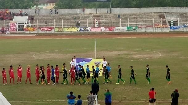Semen Padang lawan SS Lampung FC di Stadion Sumpah Pemuda, Minggu, 25/9/2016. | Prayogo Danu Putra/Jejamo.com