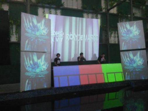 Disko di Hotel Horison Ini Beda Banget, Enggak Kedengaran Suara