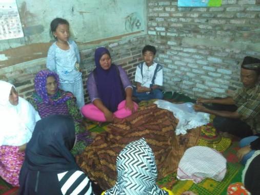 Rumah duka almarhum Noval Saputra (10 tahun) korban tabrak lari di Keteguhan, Bandar Lampung, Minggu malam, 11/9/2016. | Andi Apriyadi/Jejamo.com