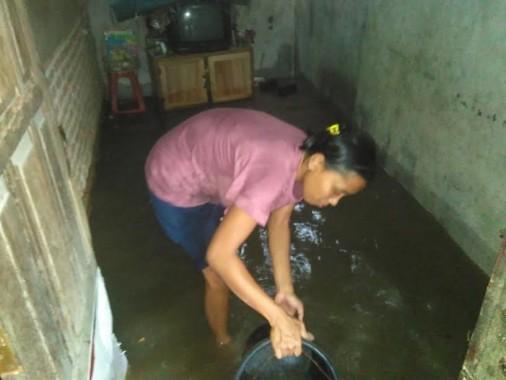 Beberapa Daerah di Bandar Lampung Terendam Banjir Akibat Hujan Kamis Siang