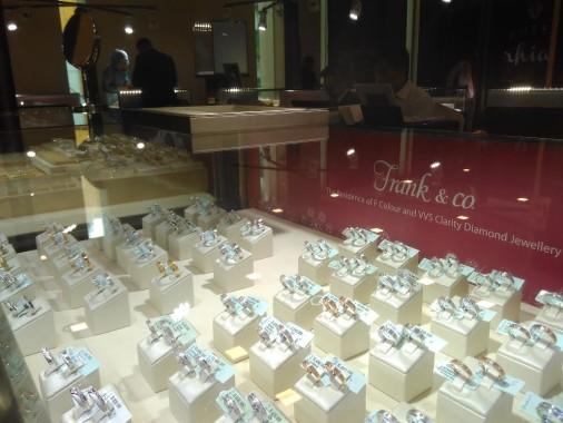 Pameran Perhiasan Hotel Horison Bandar Lampung, Perawatan Berlian Mahal Cukup Begini Doang