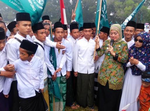 Bupati Lampung Timur Minta Para Santri Juga Dalami Ilmu Akademik