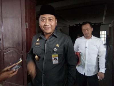 Hindari Tabrakan, Truk Fuso Serempet Innova di Jalan Sukarno Hatta Kotabumi Lampung Utara