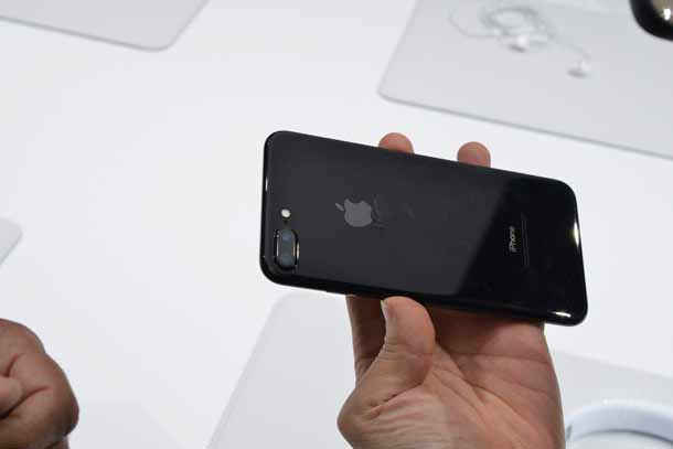 Paling Diburu, iPhone 7 Jet Black Rawan Lecet