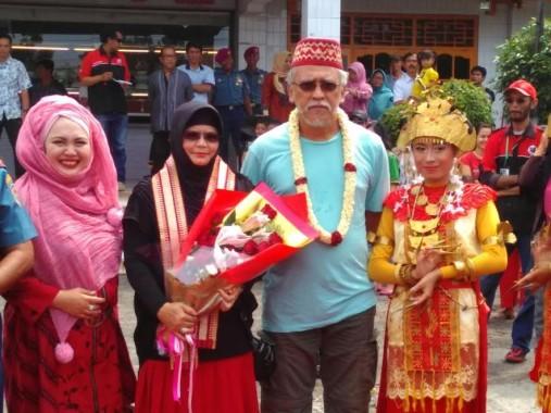 Jelang Konser Jaga Bumi, Iwan Fals Hari Ini Tiba di Lampung