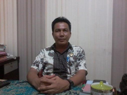 Kabag Hukum Pemkab Tulang Bawang Barat Sofiyan Nur di ruang kerjanya | Mukaddam/jejamo.com