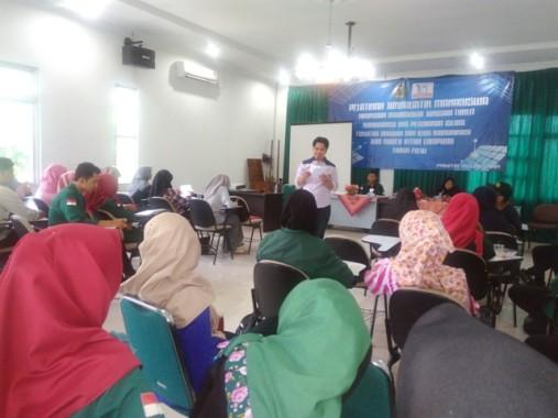 Ketua AJI Bandar Lampung Isi Pelatihan Jurnalistik HMJ KPI