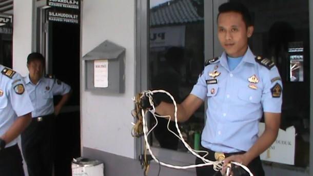 Petugas Lapas Kota Metro Temukan Handphone, Pisau dan Alat Masak Rakitan di Sel Narapidana
