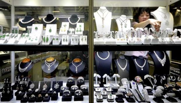 Hadiri Pameran Perhiasan di Hotel Horison Bandar Lampung dengan Harga Emas Termurah Rp449 Ribu per Gram