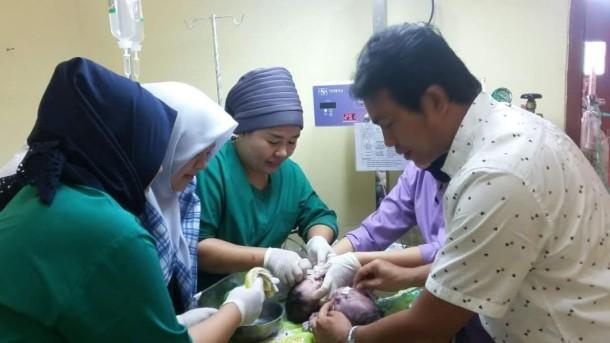 Bayi Kembar Siam Pertama di Lamtim Lahir Normal di RSUD Sukadana