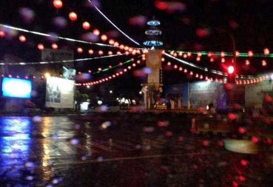 Puisi: Sekutu Hujan Bulan Oktober