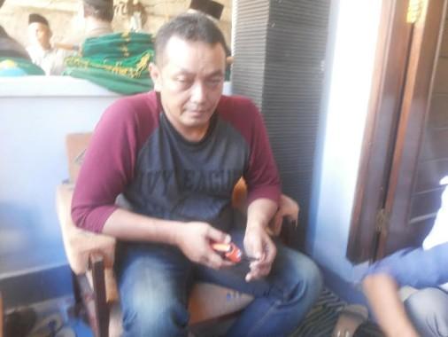 Riko (46), kakak Bramanto, pasien tewas saat cuci darah di RS Bumi Waras | Sugiono/jejamo.com