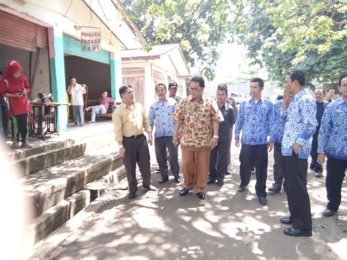 Bidik Adipura, Sekda Lampung Utara Tinjau Pasar Sentral