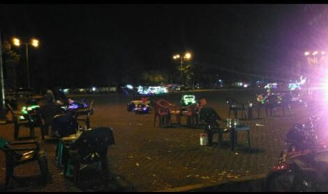 Warung remang-remang yang ada di Lapangan Samber Kota Metro diduga menjadi tempat transaksi seks pada malam hari. | Aris Sahputra/Jejamo.com